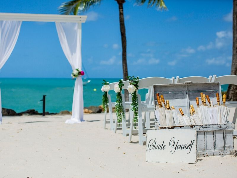 Wedding ceremony on the beach at Coral Sea Resort Hotel